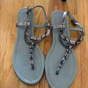 Vince Camuto silver sandals 7.5 M